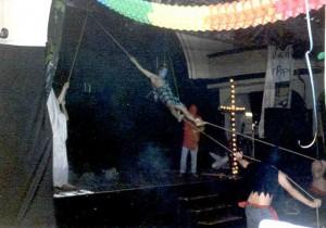 2001g001