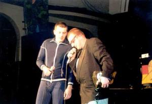 2001g004