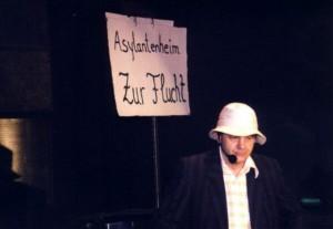 2002g004